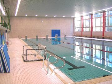 The indoor pool of the leisure center Troisvierges
